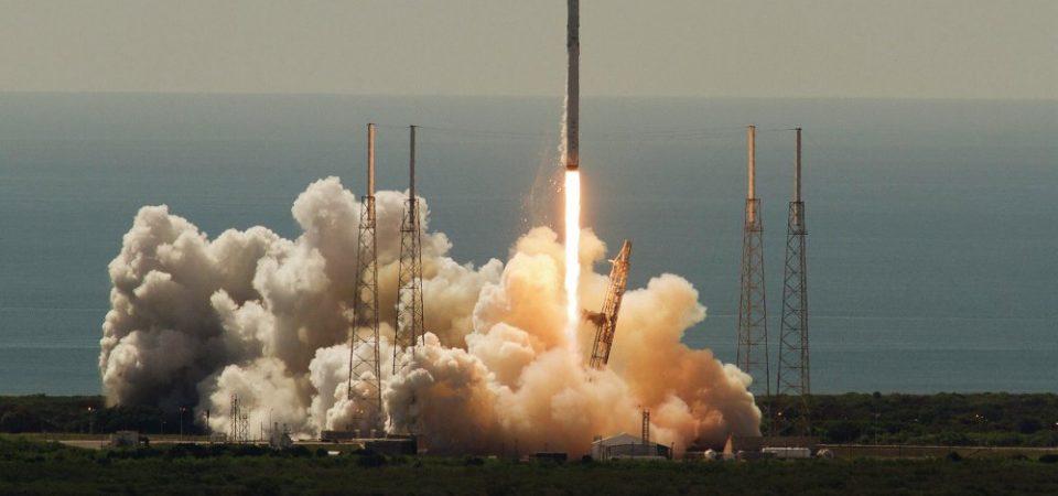 Cohete ruso estalla en el aire