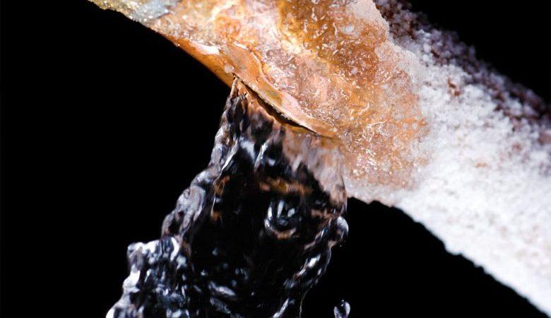 Consejos para reparar las tuberías de hielo congelado