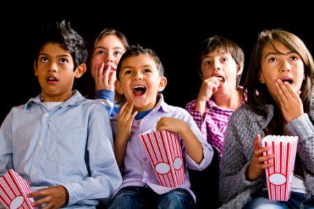 Consejos para mantener a la familia segura en el cine